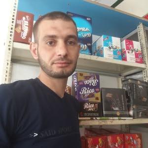 عامر منا