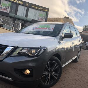 Automatic Nissan 2018 for sale - New - Zarqa city