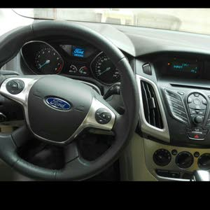 Automatic Grey Ford 2013 for sale
