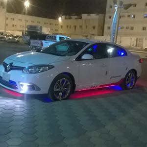 Automatic White Renault 2016 for sale
