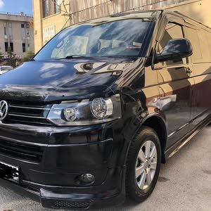 مطلوب سيارة فوكس واجن كارفيلا 2011