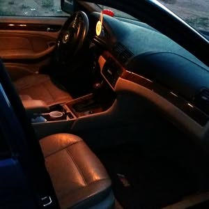 بي ام 318 ماشيه360 الف بحالة ممتازه خاليه من العيوب