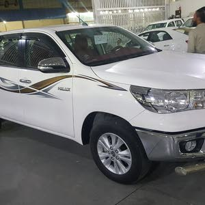 Automatic White Toyota 2017 for sale