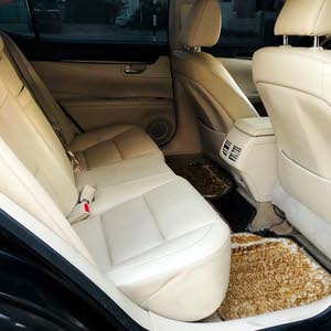 For sale Lexus ES car in Al Ain