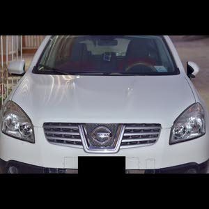 Automatic White Nissan 2010 for sale