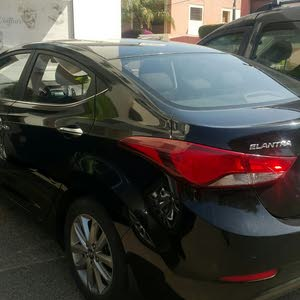 Hyundai Elantra automatique