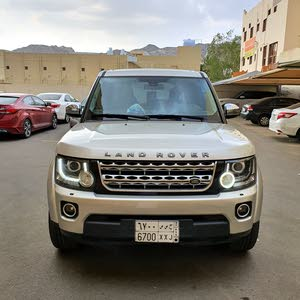 Land Rover LR4 car for sale 2014 in Mecca city