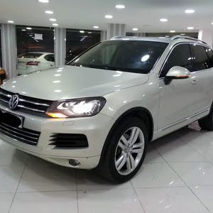 Volkswagen Touareg 2015 (Silver)