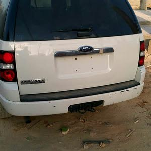 For sale Ford Explorer car in Benghazi