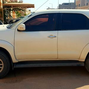 White Toyota Fortuner 2015 for sale