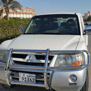 Used condition Mitsubishi Pajero 2006 with 150,000 - 159,999 km mileage