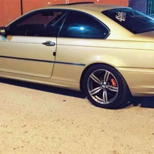 Manual Gold BMW 2000 for sale