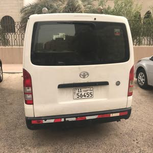 +200,000 km Toyota Hiace 2013 for sale