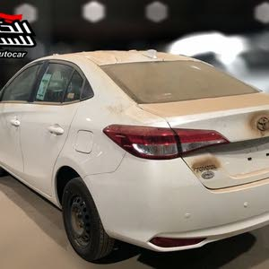 White Toyota Yaris 2018 for sale