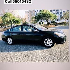 Excellent condition Nissan Altima car for Sale