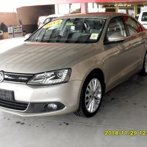 Volkswagen Jetta 2013 For sale - Gold color
