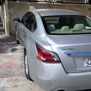 Used condition Nissan Altima 2014 with 1 - 9,999 km mileage