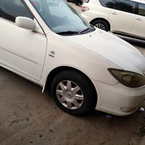 Manual White Toyota 2004 for sale
