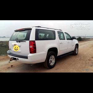 White Chevrolet Tahoe 2011 for sale
