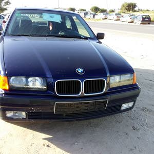 Available for sale! +200,000 km mileage BMW 318 2003