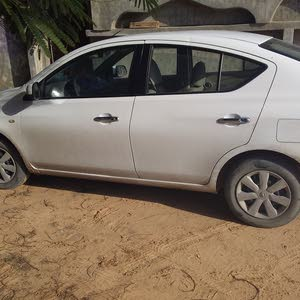 40,000 - 49,999 km Nissan Sunny 2013 for sale