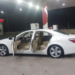 Lexus LS 2009 For sale - White color