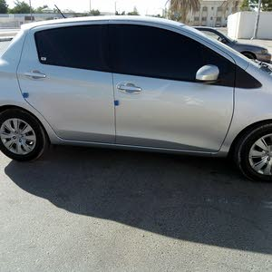 urgent sale Toyota Yaris 2014 km 88000 USA 1.5  abudhabi registration