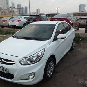 Hyundai Accent car for sale 2017 in Hawally city