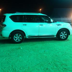 Nissan Patrol car for sale 2013 in Al Ahmadi city