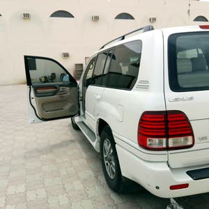 Used condition Lexus LX 2003 with +200,000 km mileage