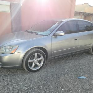 For sale 2006 Grey Altima