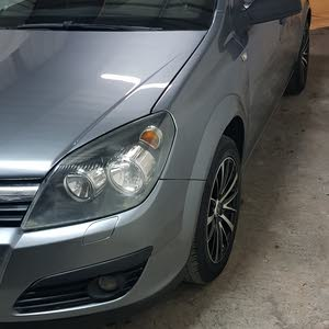 Opel Astra 2006 For sale - Grey color