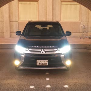 Used condition Mitsubishi Outlander 2016 with 40,000 - 49,999 km mileage
