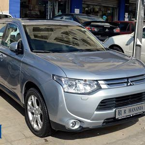 Used condition Mitsubishi Outlander 2015 with 30,000 - 39,999 km mileage