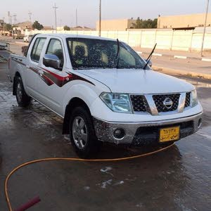 White Nissan Navara 2012 for sale