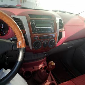 1 - 9,999 km Toyota Hilux 2011 for sale