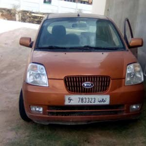 For sale Kia Picanto car in Tripoli