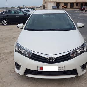 Excellent Condition 2015 Pearl White Toyota Corolla 2.0