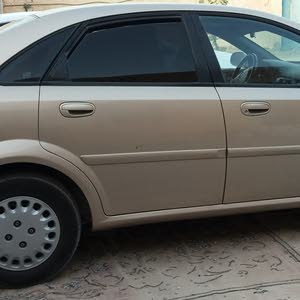 Gold Chevrolet Optra 2004 for sale