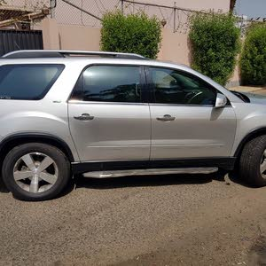 GMC Acadia 2009 Very Clean Car, and well maintained
