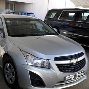 Chevrolet Cruze car for sale 2013 in Hawally city