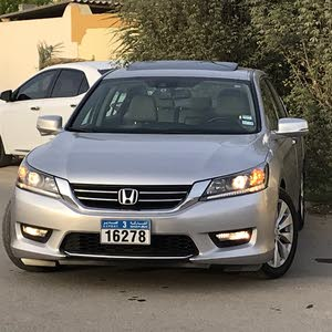 Automatic Honda 2015 for sale - Used - Sohar city