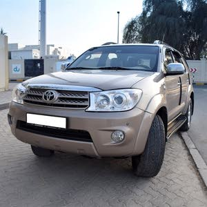 Toyota Fortuner 2010 - Automatic