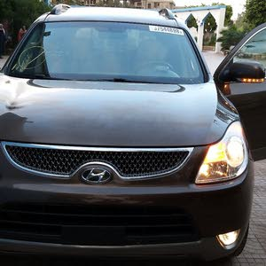 Hyundai Veracruz car is available for sale, the car is in Used condition