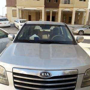 سيارة كيا موهافي 8 سلندر ... موديل 2011 للبيع..تحتاج تغيير جير