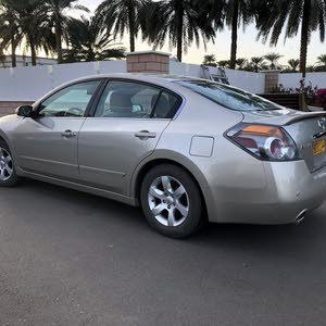 Nissan Altima 2009 clean car for sale