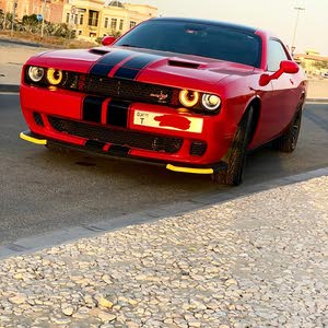 2015dodge challenger coupe like new