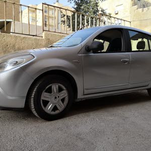 Automatic Silver Renault 2013 for sale