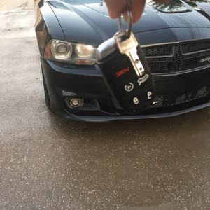 Automatic Black Dodge 2013 for sale
