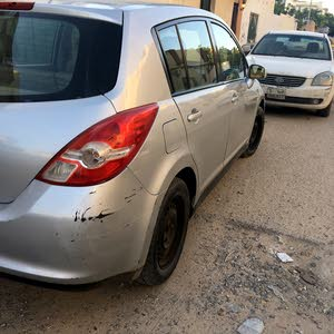 For sale Used Tiida - Automatic